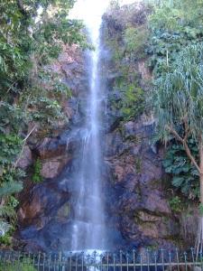 Waterfall in Queensland - versestravel